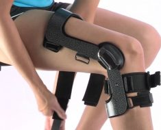 Best Knee Braces for Skiing and Snowboarding